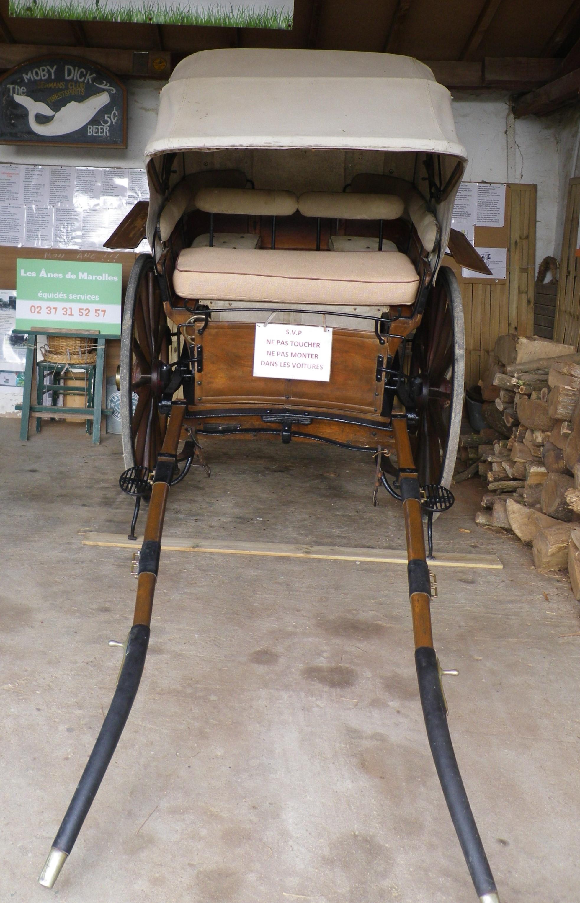 1 2 tonneau voiture hippomobile les nes de marolles les nes de marolles. Black Bedroom Furniture Sets. Home Design Ideas